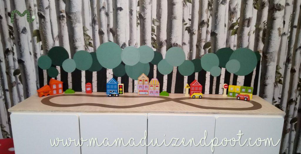 Een straat en bos voor op de Stuva kastjes (Ikea-hack)