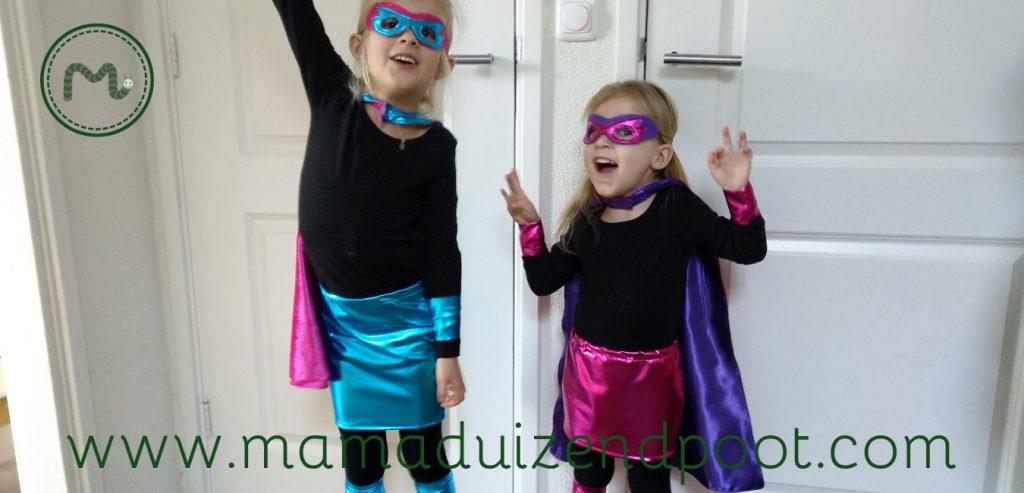 Een masker en cape voor de kleine superheld