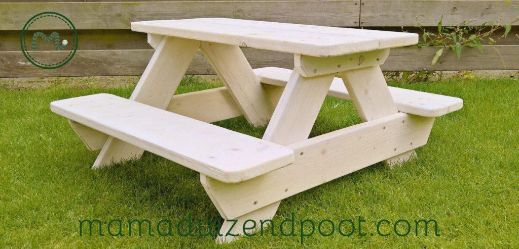 Een picknick bankje voor kleine kinderen