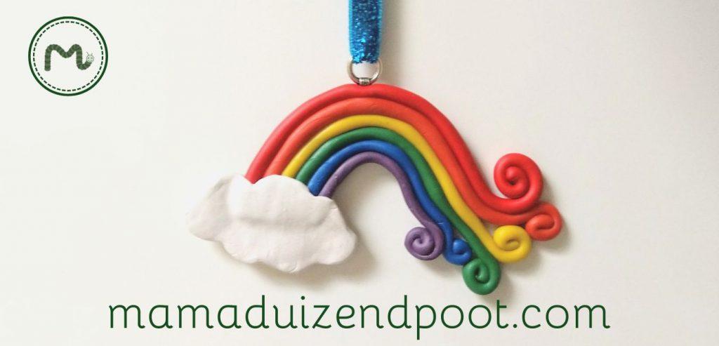 Een regenboog van ploymeer klei
