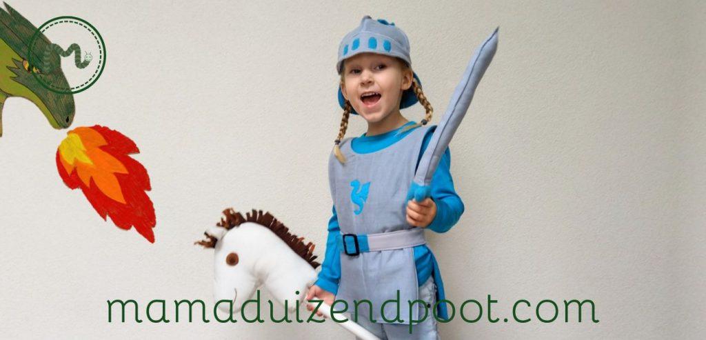 Een ridder kostuum voor de kleine drakenjager