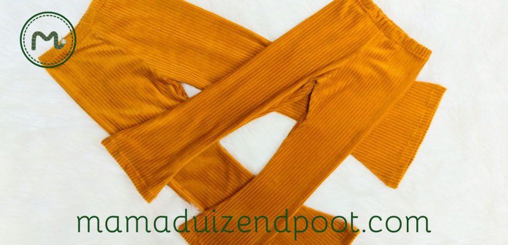 Flared pants (oftewel een broek met wijde pijpen)