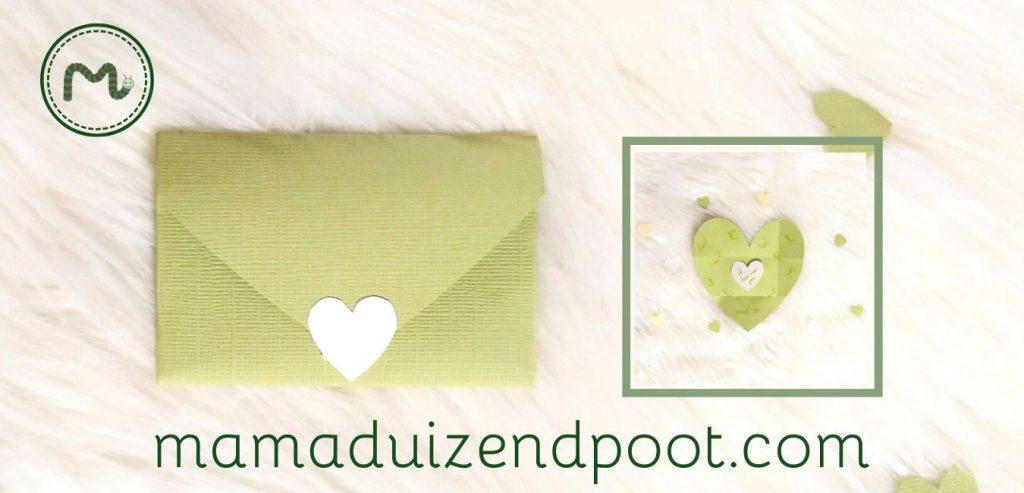 Een hartje envelop en kaartje
